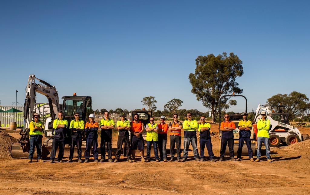Building Jobs 1 INTRODUCTION Renewal SA s Works Program at Playford Alive represents an innovative collaboration between Renewal SA, the City of Playford, the Department for Communities and Social
