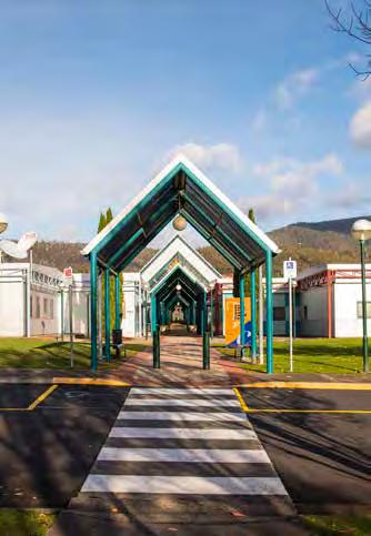 Introduction to Claremont College Claremont College is a senior secondary school for students in Years 11 and 12. Established in 1990, the College overlooks the Derwent River, 15 km from Hobart.