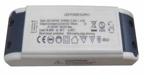 Standard driver 3W 7mA Pre-wired LuciPanel connection Driver IP2 IK8 Product References Pre-wired STD4 Compatibility 3 76 179 44 395 Downlight 19W / 27W LuciPanel connection STD1 3 76 179 44 746