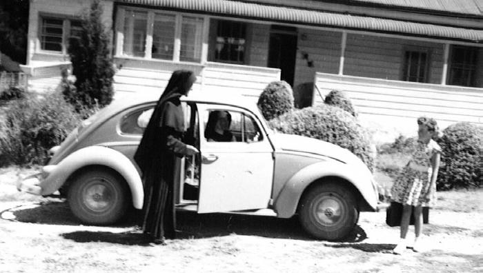 Sisters of St. Joseph of the Sacred Heart Motor Mission in the Snowy Mountains region in the early 1960s [Archives of the Sister of St.