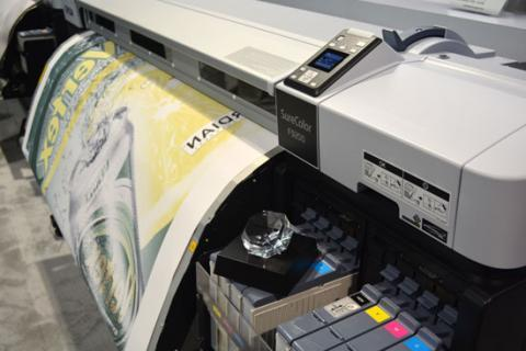 The SureColor F9200 is ideal for fast, economical medium- to large-volume dye-sublimation transfer printing, at speeds up to 1,044 square feet per hour and widths up to 64 inches.