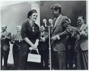 Dr Frances Kelsey receives her medal from President Kennedy August 1962 Now the interesting fact here is that, before joining the FDA, Dr Kelsey had carried out research with her husband on malaria.