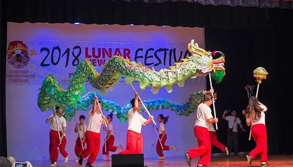 Translate 2018 SPRING NEWSLETTER Quarterly Recap More than 15,000 people join CCC s Lunar New Year Celebrations The Chinese Community Center s 2018 Lunar New Year Festival welcomed in the Year of the