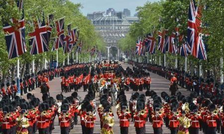 June 9 th : Trooping the Colour Talk about the Queen Make a Bearskin Hat March in time with each