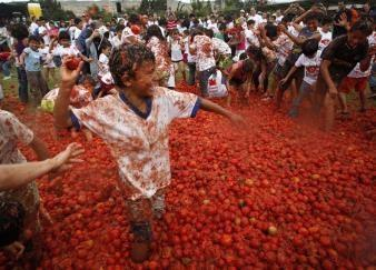August 31st: La Tomatina (Spain) Find out what La Tomatina is? Where is Spain?