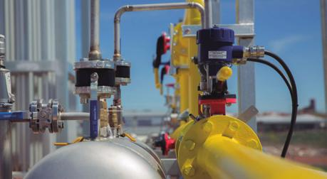 CURRENT ENVIRONMENT OF THE GAS SECTOR ADVANTAGES OF NATURAL GAS Gas companies have the opportunity of offering an energy that entails a transition to a cleaner energy sector, using fuels with lower