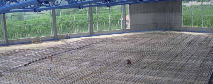 Technical features SMOOTH EXTRUDED INSULATING PANEL code 1030230 code 1030330 Flooring type Industrial fl ooring Required distance 15-20 cm FEATURES Thermal conductivity: 10 C Compressive strength:
