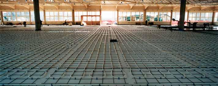 Technical features SMOOTH EXTRUDED INSULATING PANEL code 1030230 code 1030330 Flooring type Industrial fl ooring Required distance > 15 cm FEATURES Thermal conductivity: 10 C Compressive strength: