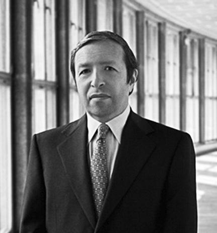 14 Artist Biographies 20 September 2015 Murray Perahia Piano Principal Guest Conductor Academy of St Martin in the Fields In a career spanning 40 years, Murray Perahia has become one of the most