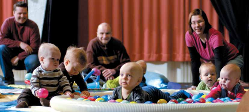 3.3 Baby Circus Monitaideyhdistys Piste, Joonas Martikainen Baby circus consists of fun sessions where the parents and the baby get to do circus tricks together.