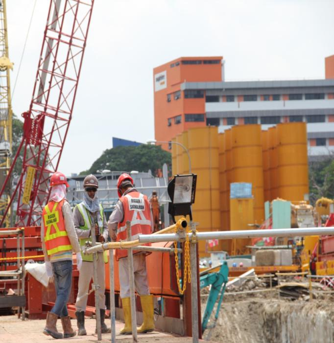 Goods And Personnel Lifting: Enhancing Safe Use Of Cranes A Great Workforce A Great