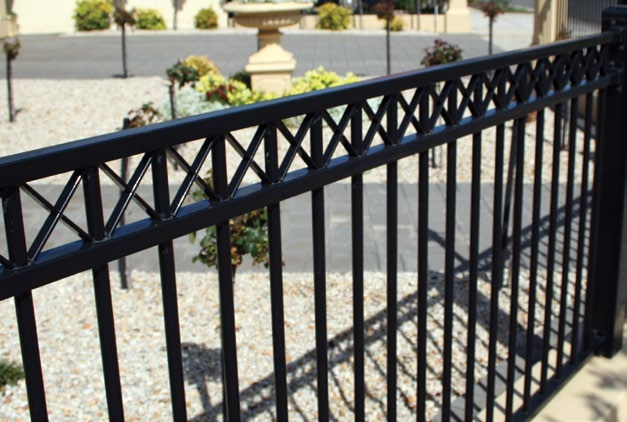 HERITAGE FENCING QUALITY STYLE SECURITY - PDF