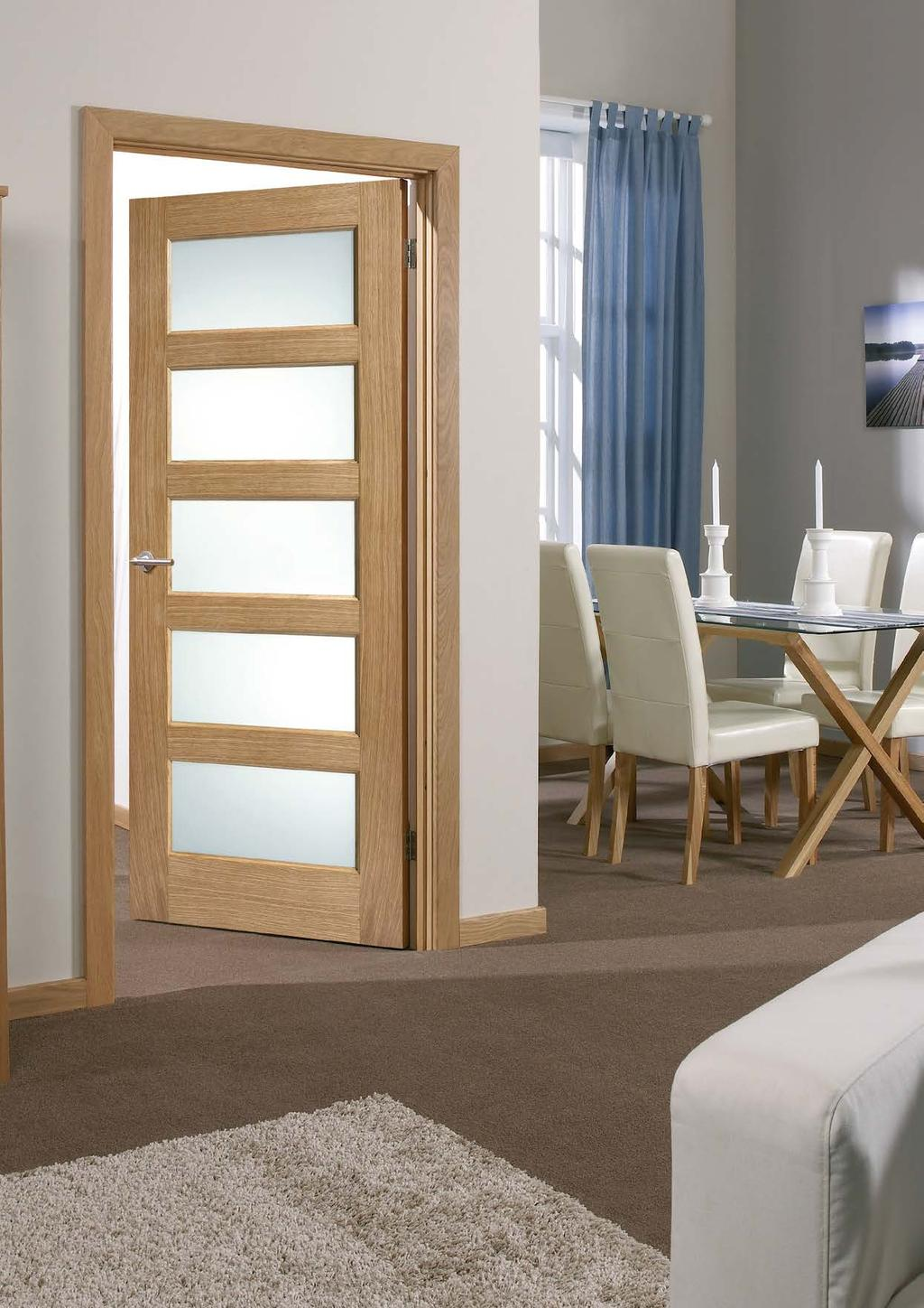 Shaker Style Initiative Contemporary Oak Triple Wardrobe With Drawers Richmond Range Complete In Specifications