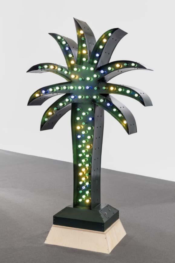Yto Barrada Green Palm, 2016 Steel structure with galvanized sheet metal 255 x 160 x 30 cm Collection Silvia Fiorucci-Roman, Monaco Courtesy l artiste and Sfeir-Semler Gallery, Hambourg/Beyrouth The